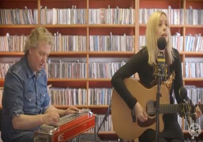 Lisa Redford unplugged - I Just can't forget